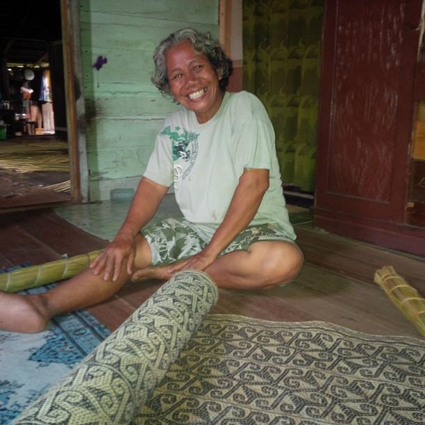 Eco Hapakat Foundation Handycraft women sitting with tikar